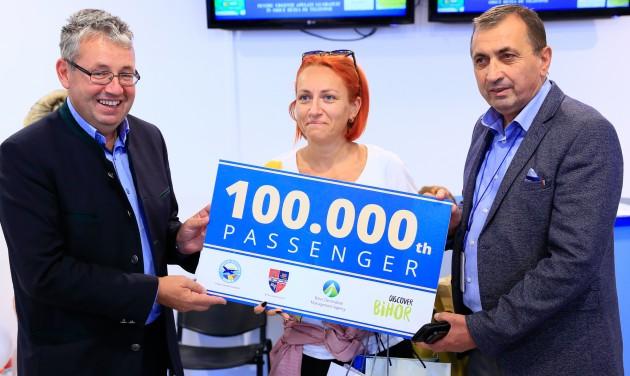 Százezredik utasát köszönthette idén a Nagyváradi Repülőtér