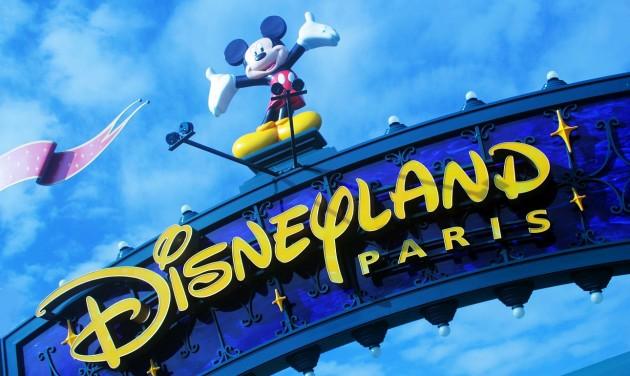 Fokozatosan újranyílik a párizsi Disneyland