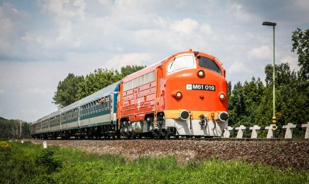Retró hétvégék az észak-balatoni vonatokon