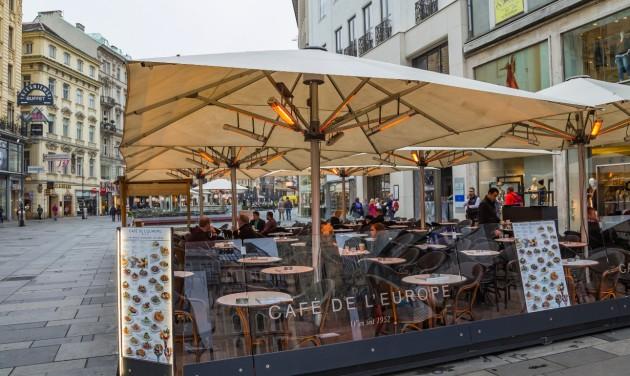Ausztriában bezárnak a vendéglátóhelyek és a szállodák (frissítve)