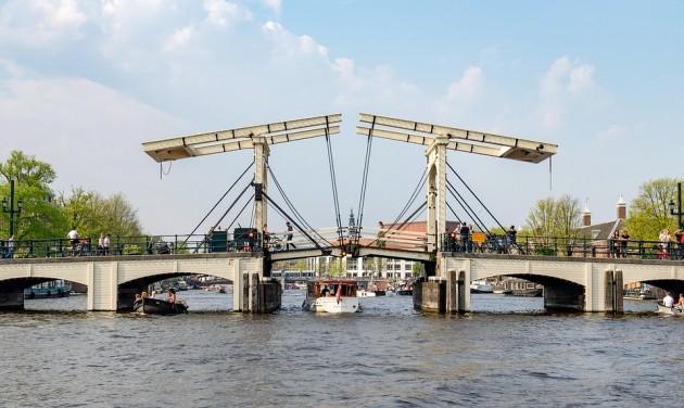Hidakat zártak le Amszterdamban a hőség miatt