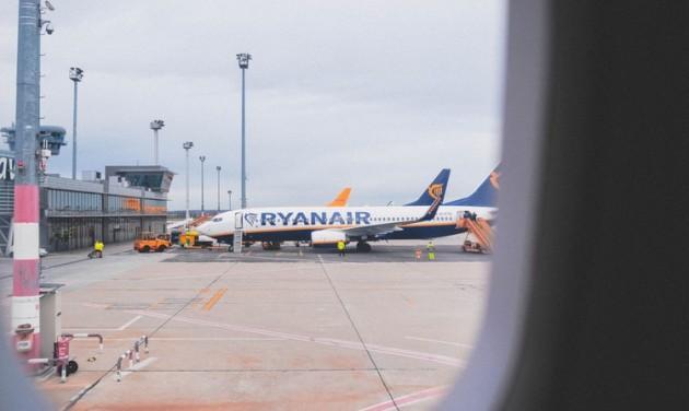 Közel kétszáz járatát törölte a Ryanair