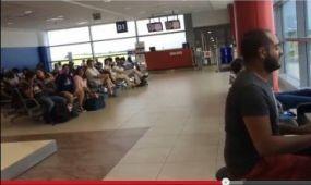 Az internet szenzációja lett egy arab zongorajátéka a prágai repülőtéren - videó