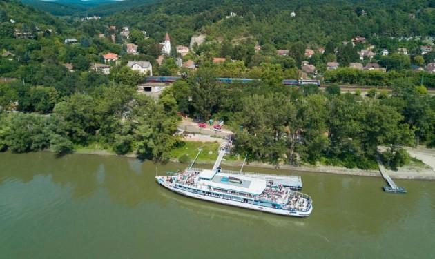 Az októberi hétvégéken is lehet utazni Dunakanyar-napijeggyel