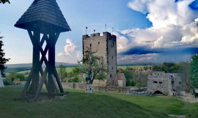 Jövő nyárra megújul a nagyvázsonyi vár