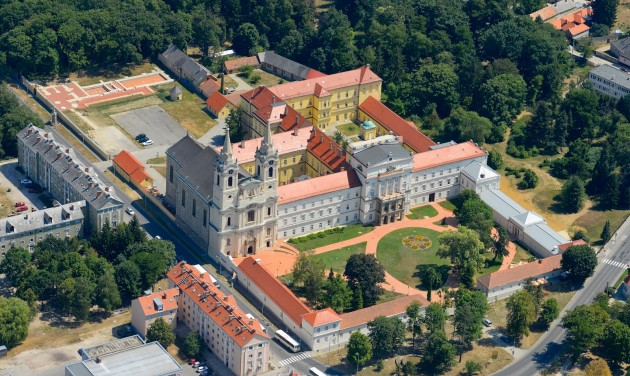 Komplex turisztikai fejlesztés indul Zircen
