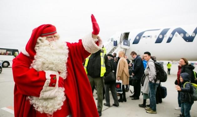 A Finnairrel érkezett Budapestre Joulupukki