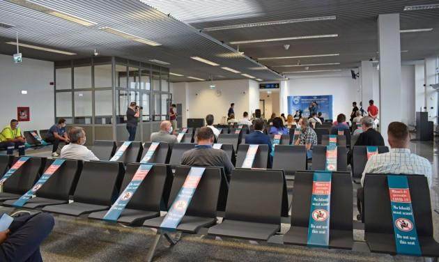 Két év késéssel átadták a nagyváradi repülőtér új terminálját