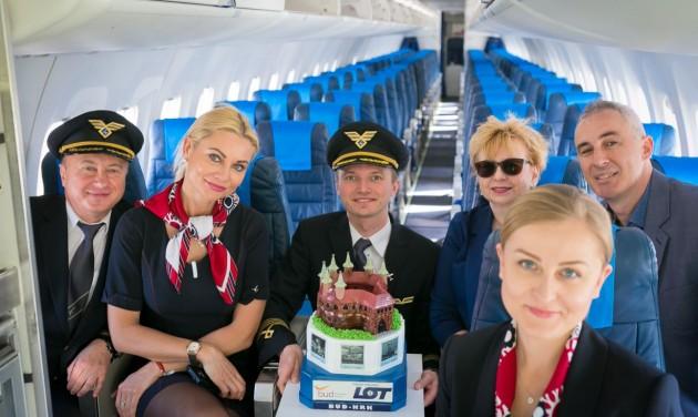 Heti hat járatot indít Budapestről Krakkóba a LOT
