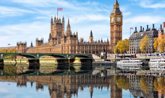 Péntektől csak útlevéllel utazhatunk az Egyesült Királyságba