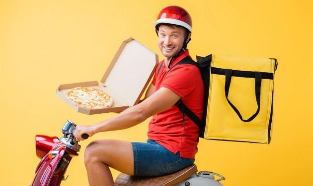 A kijárási tilalom alatt is jöhet a pizzafutár