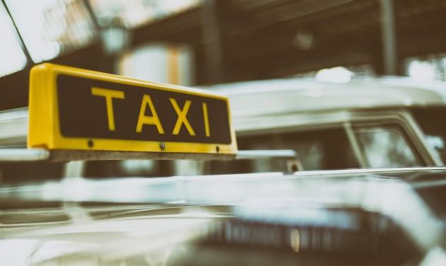 Aranyért sem lesz taxi?