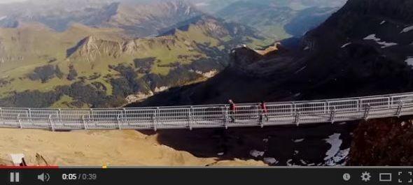 Függőhíd 3000 méteren Svájcban
