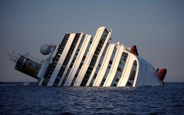Genovába vezet a Costa Concordia utolsó útja