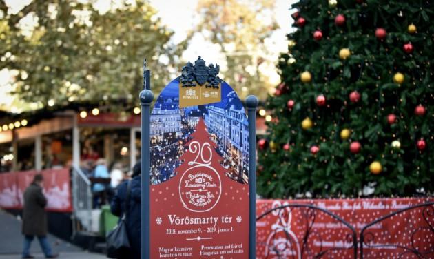 Megnyílt a Vörösmarty téri adventi és karácsonyi vásár