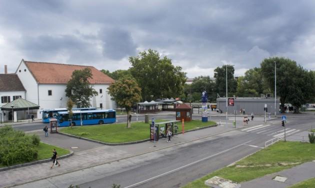 Megújul az óbudai Szentlélek tér, elbontják a pavilonokat