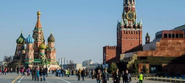 Az utazás nem feltétlenül, de a kintlét jóval olcsóbb most Oroszországban