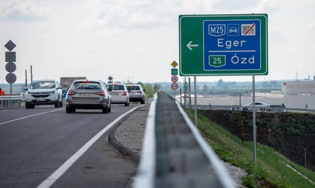 Végig autópályán száguldhatunk Egerbe