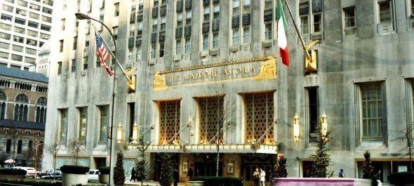 Kínaiak vették meg a New York-i Waldorf Astoriát