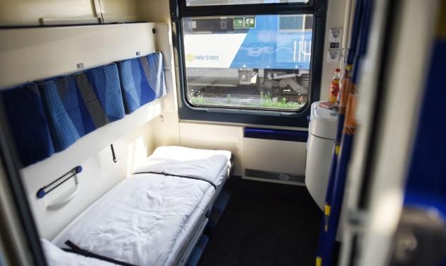 Újra fekvőhelyes kocsival utazhatunk Brassóba