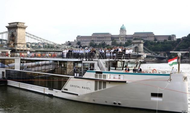 Luxushajó keresztelő Budapesten