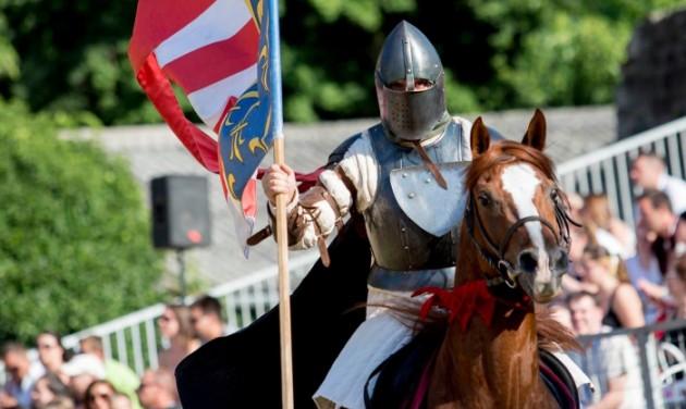 Július második hétvégéjén tartják a visegrádi palotajátékokat