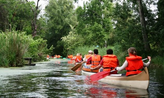 Vízi túrák, sétahajózás, katamarán a Ráckevei Duna-ágon