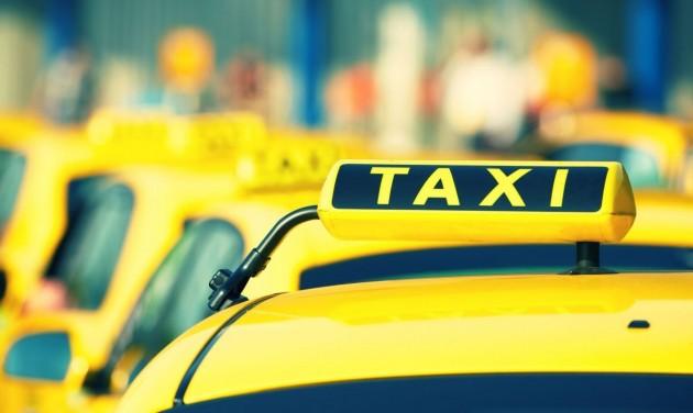 Meghosszabbítják a taxisok autócseréjének határidejét