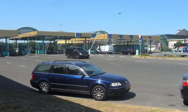 Brüsszel szigorítja a határokon a készpénzforgalom ellenőrzését
