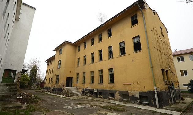 Múzeumot csinálnak a volt internálótáborból