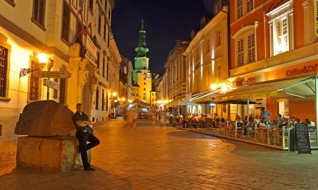 Három nyitvatartási mód közül kell választaniuk a szlovák vendéglősöknek