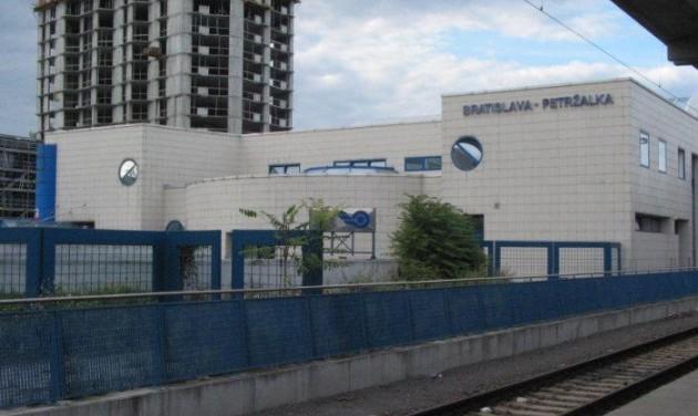 Tíz év után újra vonatozhatunk Győr és Pozsony között