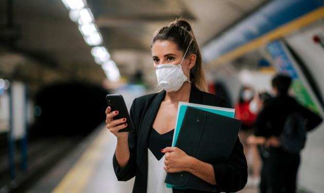 8000 forintra bírságolhat a BKK-ellenőr, ha nem viselünk maszkot