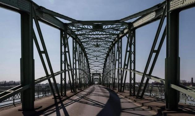 Szijjártó: Szerdától a beoltottak szabadon utazhatnak Szlovákiába