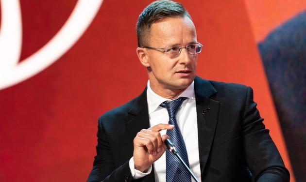 A csehek, a lengyelek és a szlovákok mégis jöhetnek Magyarországra (frissítve)