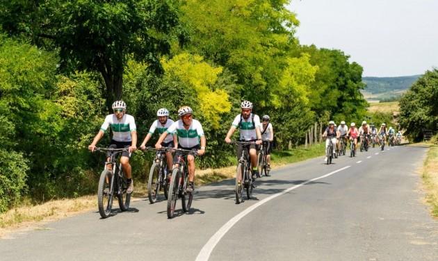 A Művészetek Völgye csatlakozott a balatoni kerékpáros fejlesztésekhez