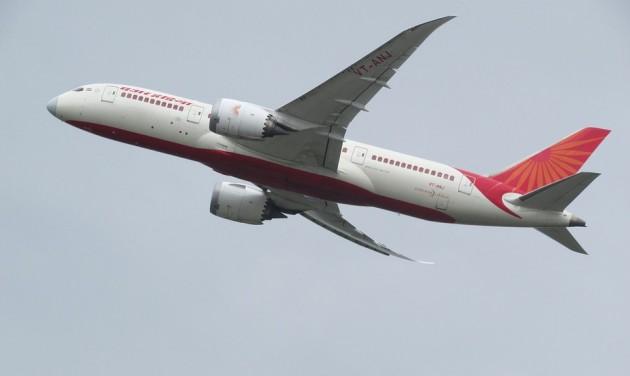 Kényszerű diétára fogta utaskísérőit az Air India