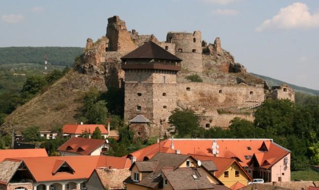 Kulturális örökségi helyszínek újulnak meg szlovák-magyar összefogással