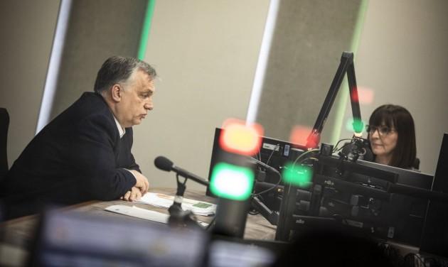 Orbán: Tovább tarthatnak nyitva az üzletek, később kezdődhet a kijárási tilalom