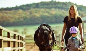 Enni, inni és kerékpározni hívják a magyar és külföldi turistákat a Balatonra