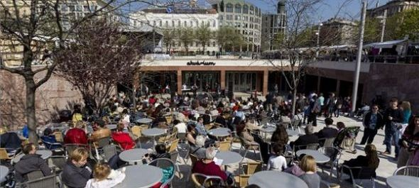 Megnyílt a megújult kulturális központ és park a budapesti Erzsébet téren