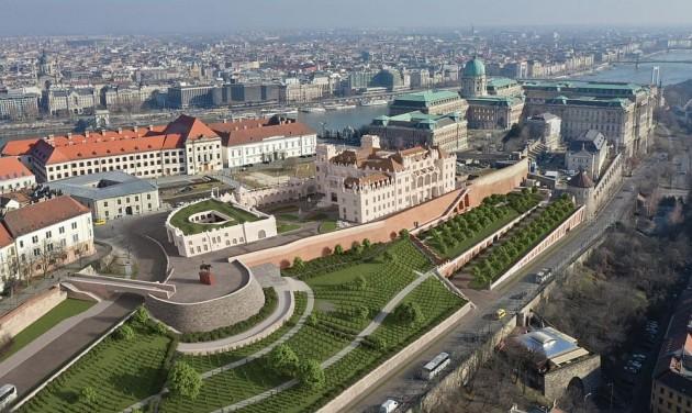 Megújul a budai Vár Fehérvári rondellája, és új várgarázs is épül