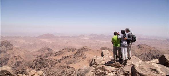 Tömeges hegymászás a Sínai-félsziget turizmusáért