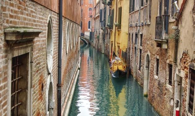 Árvíz után apály Velencében, bajban a gondolások
