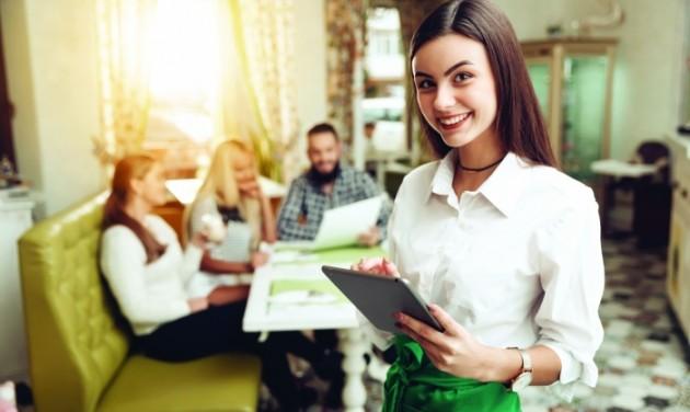 Növeli az éttermi forgalmat, erősíti a stabilitást a SZÉP-kártya