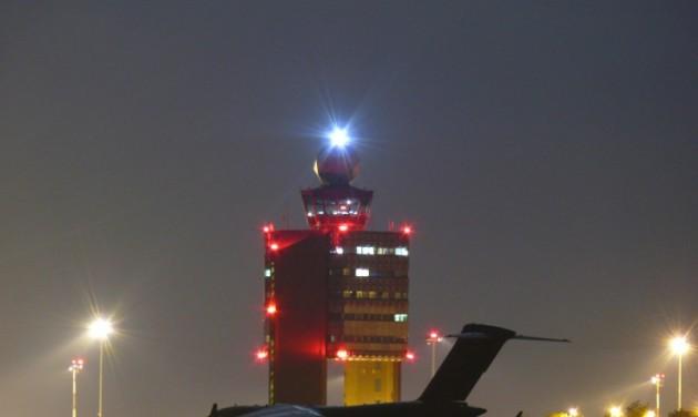 Figyelmeztető sztrájkba léptek a légiforgalmi irányítók