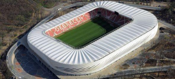 Teltházas nyitás után nagy érdeklődés a Nagyerdei Stadionban