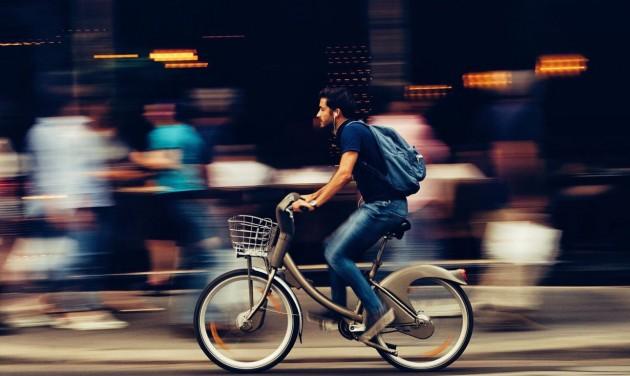 Tovább épül a kerékpárosbarát közúthálózat Budapesten
