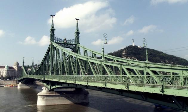 Duna-átúszást rendeznek Budapesten