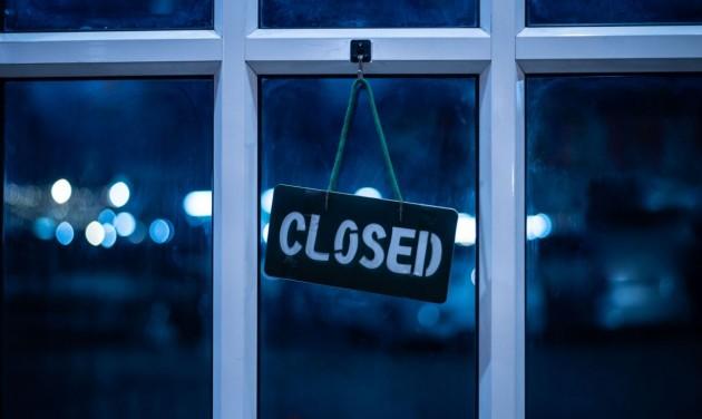 Szerbiában továbbra is zárva maradnak a vendéglátóhelyek